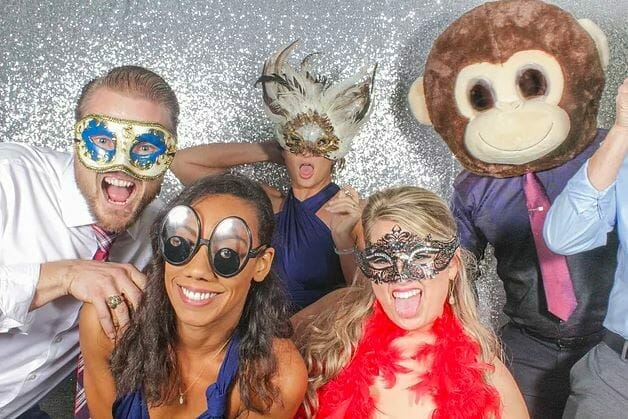 Why A Photo Booth Could InstantlyTransform Your Wedding