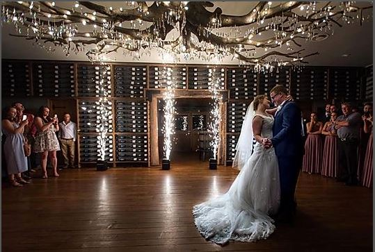 From stage to environmental lighting we can create the look you want with lights. Add special effects such as fog/haze, bubbles, snow, cold sparks (vertical sparklers), confetti and more to make your event pop and standout.